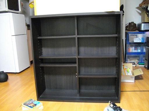 空っぽになってしまった本棚