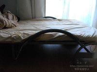 柵を外す前のベッド